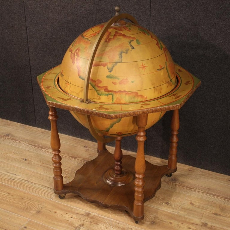 20th Century Wood Italian Globe Bar Cabinet, 1960 In Good Condition For Sale In Vicoforte, Piedmont