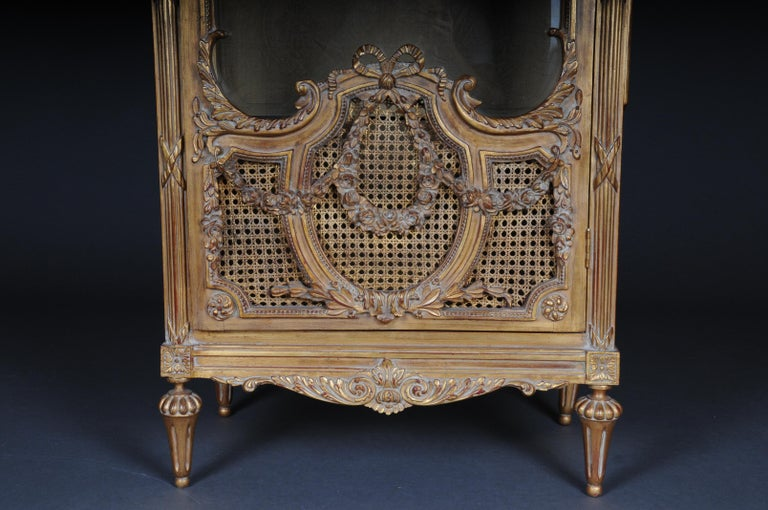 Louis XIV 20th Century Elegant French Showcase in Louis XVI Style For Sale