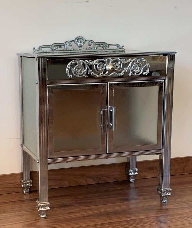 French Art Deco Pair of Brass Side Table or Nightstands, Drawer and Door In Good Condition For Sale In Miami, FL