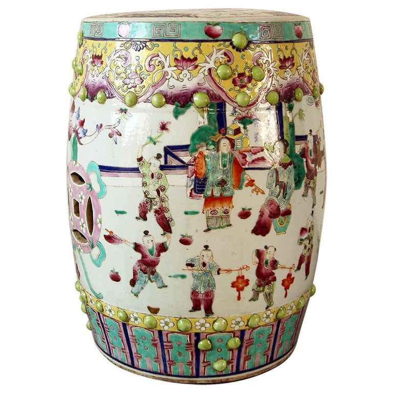 20th Vintage Garden Furniture in Chinese Polychrome Porcelain For Sale