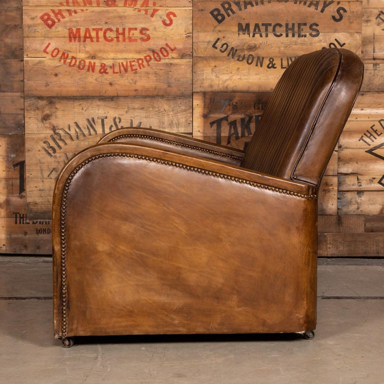 British 20th Century Art Deco Pair of Leather Tub Chairs and Sofa, circa 1920 For Sale