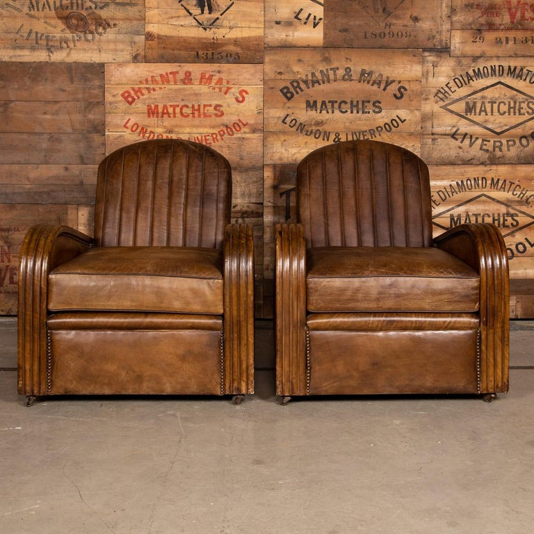 20th Century Art Deco Pair of Leather Tub Chairs and Sofa, circa 1920 For Sale 2