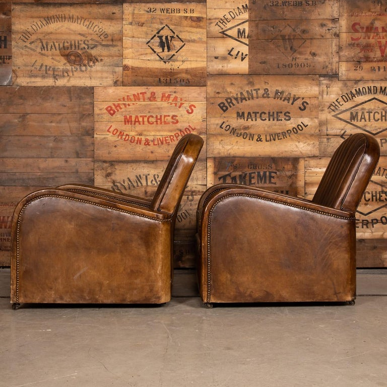 20th Century Art Deco Pair of Leather Tub Chairs and Sofa, circa 1920 For Sale 3