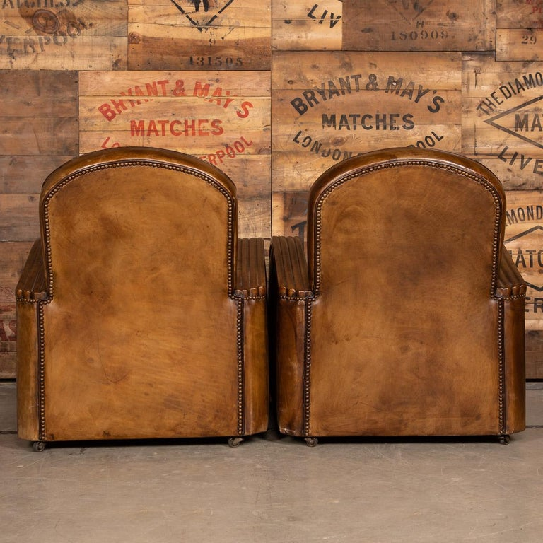 20th Century Art Deco Pair of Leather Tub Chairs and Sofa, circa 1920 For Sale 4