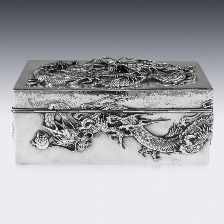 20thC Japanese Meiji Solid Silver Dragon Cigar Box c.1900 In Good Condition For Sale In London, London