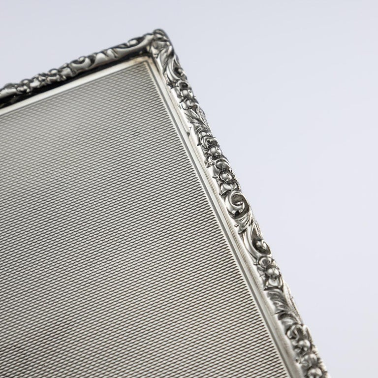 20th Century Solid Silver Cigar Box by Richard Comyns, circa 1960 For Sale 6