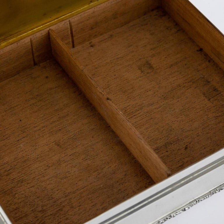 20th Century Solid Silver Cigar Box by Richard Comyns, circa 1960 For Sale 9