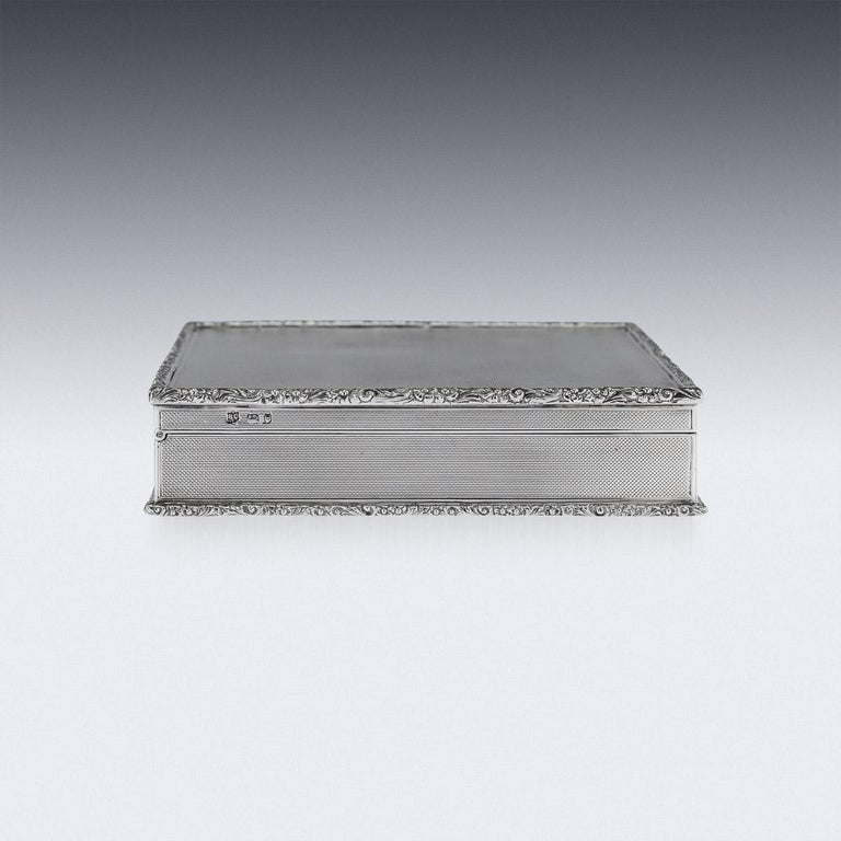 Sterling Silver 20th Century Solid Silver Cigar Box by Richard Comyns, circa 1960 For Sale