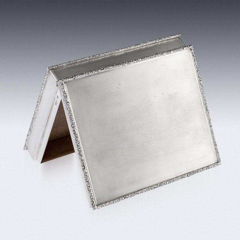 20th Century Solid Silver Cigar Box by Richard Comyns, circa 1960 For Sale 2