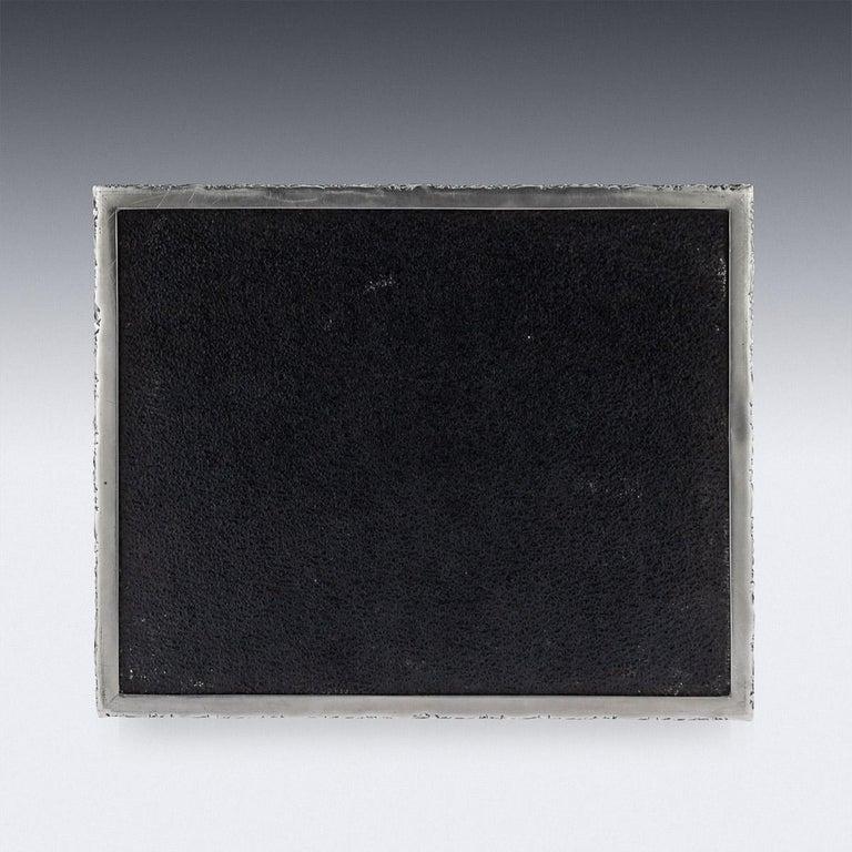 20th Century Solid Silver Cigar Box by Richard Comyns, circa 1960 For Sale 3