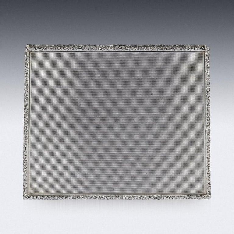 20th Century Solid Silver Cigar Box by Richard Comyns, circa 1960 For Sale 4