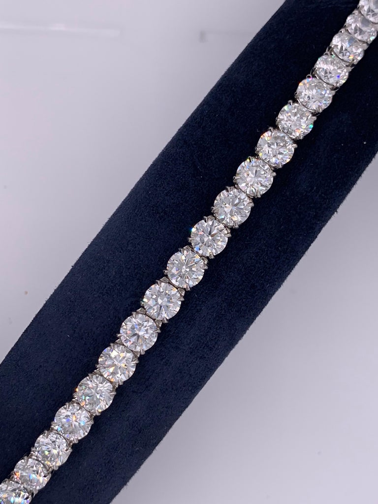 21 Carat Ideal Brilliant Round Cut Diamond Platinum Tennis Bracelet In New Condition For Sale In New York, NY