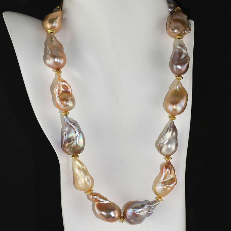 Gemjunky Natural Multi tone Luscious, Lustrous Baroque Pearl Necklace In New Condition For Sale In Tuxedo Park , NY