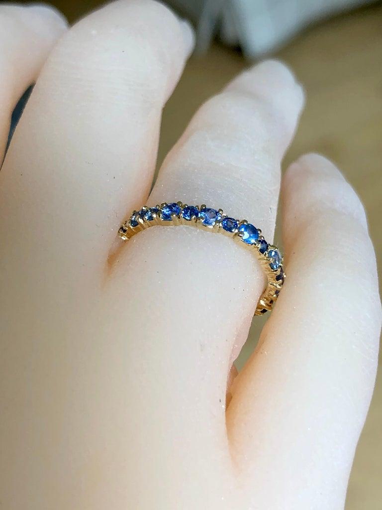 2.10 Carat Ceylon Sapphire Engagement Eternity Wedding Band Ring Gold For Sale 4