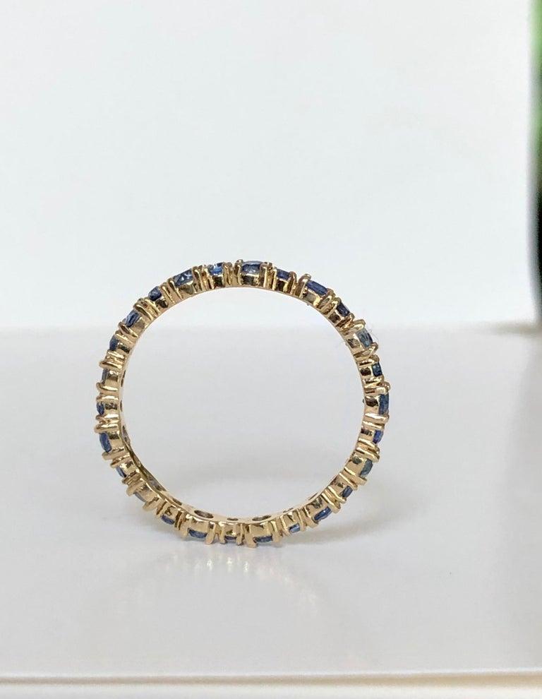2.10 Carat Ceylon Sapphire Engagement Eternity Wedding Band Ring Gold For Sale 1