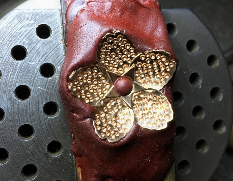 Cherry Blossom Pendant with 2.20ct Pavé Set Diamonds 20kt Rose Gold For Sale 2