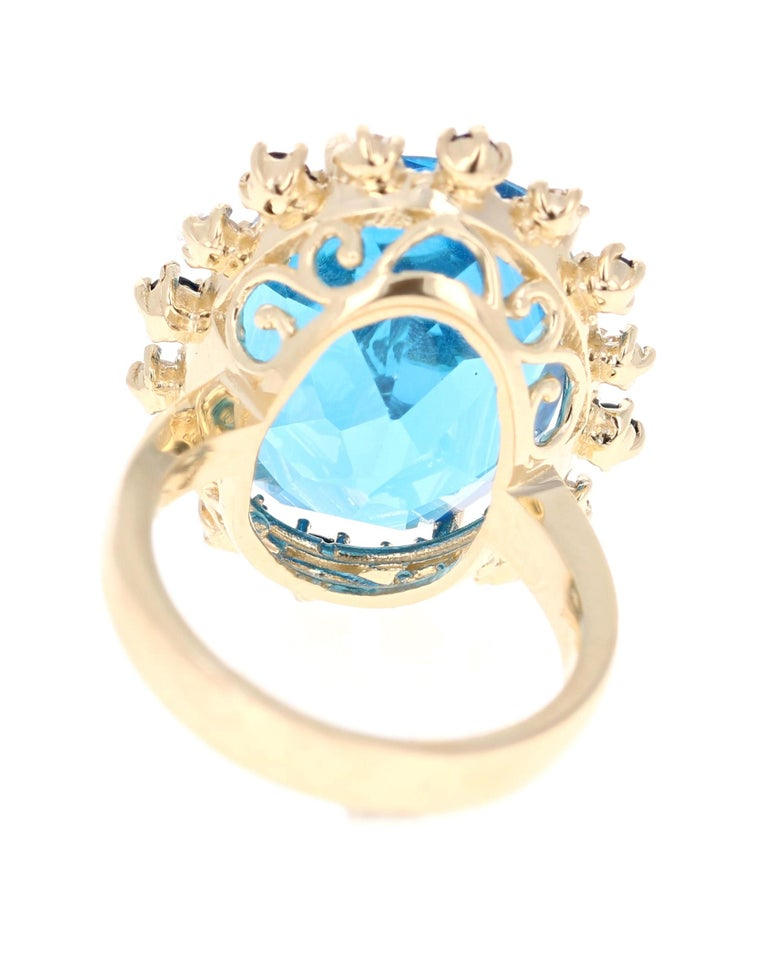 21.50 Carat Oval Cut Blue Topaz Diamond 14 Karat Yellow Gold Cocktail Ring In New Condition For Sale In San Dimas, CA