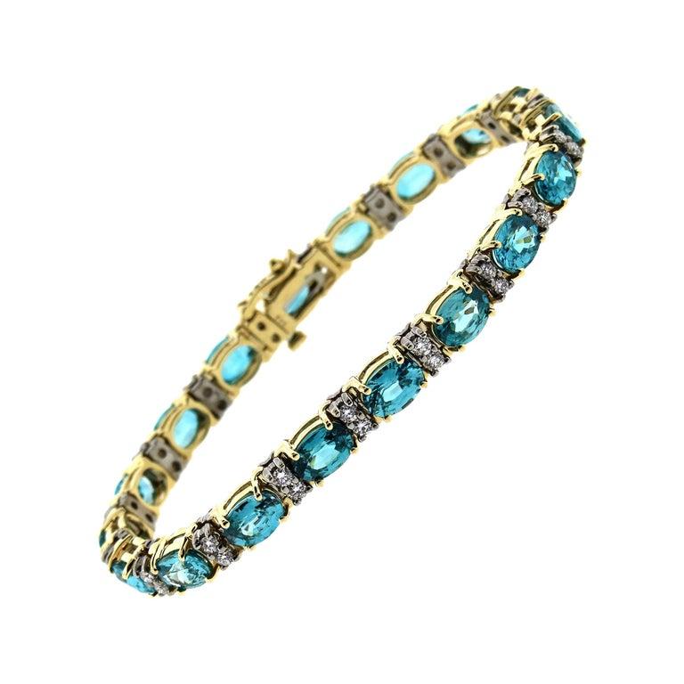 21.50 Carat Blue Zircon and Diamond Bracelet For Sale