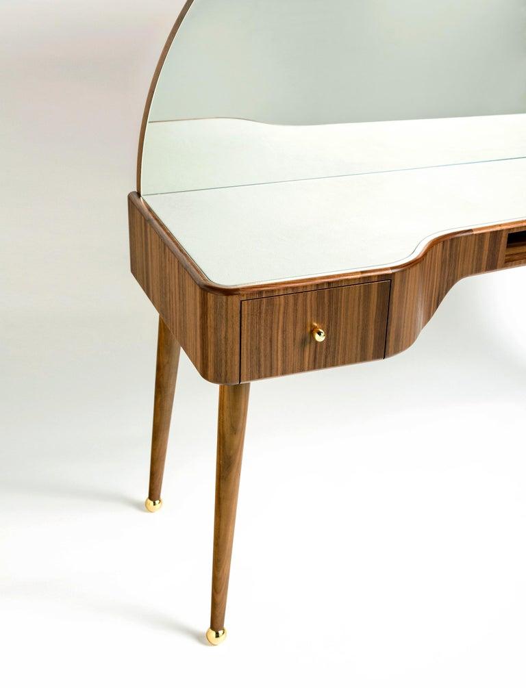 Turkish 21st Century American Walnut Veneer Vanity Desk with Mirror For Sale