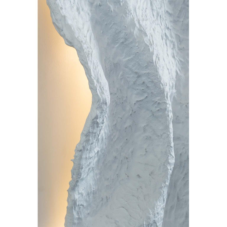 21st Century Breeze Decorative Wall Art Piece Light Grey Textured Fibreglass In New Condition For Sale In Cartaxo, PT