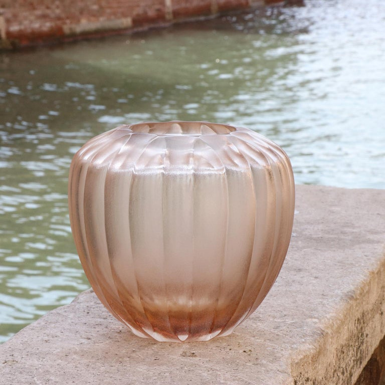 Hand-Carved 21st Century by Micheluzzi Glass Goccia Light Pink Vase Handmade Murano Glass For Sale