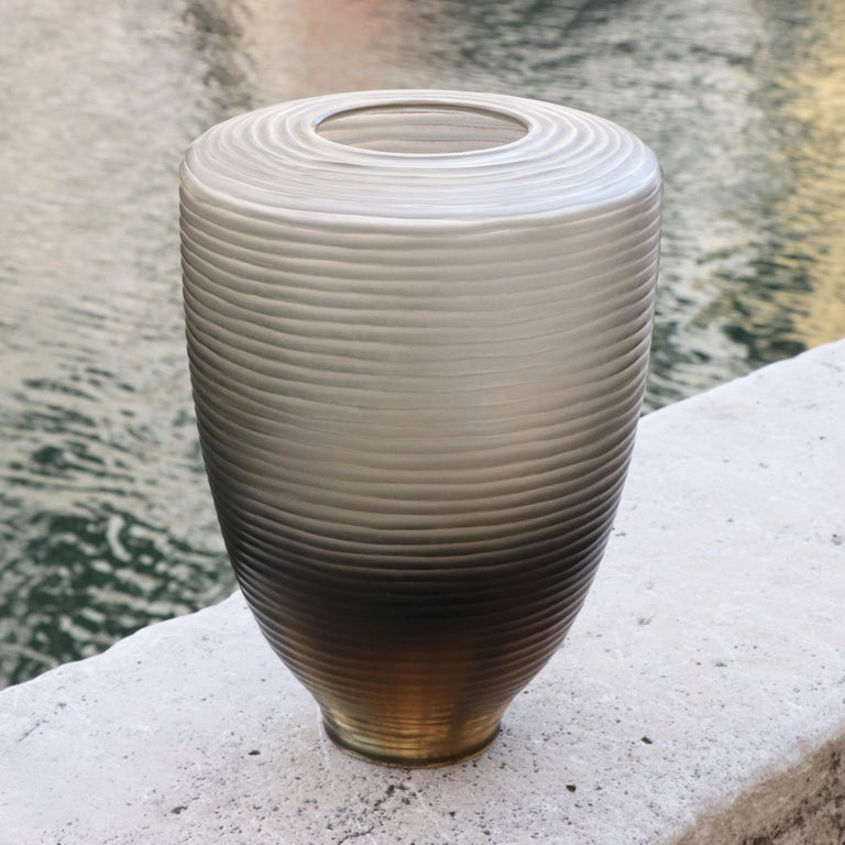 Modern 21st Century by Micheluzzi Glass Goccia Pale Gold Vase Handmade Murano Glass For Sale