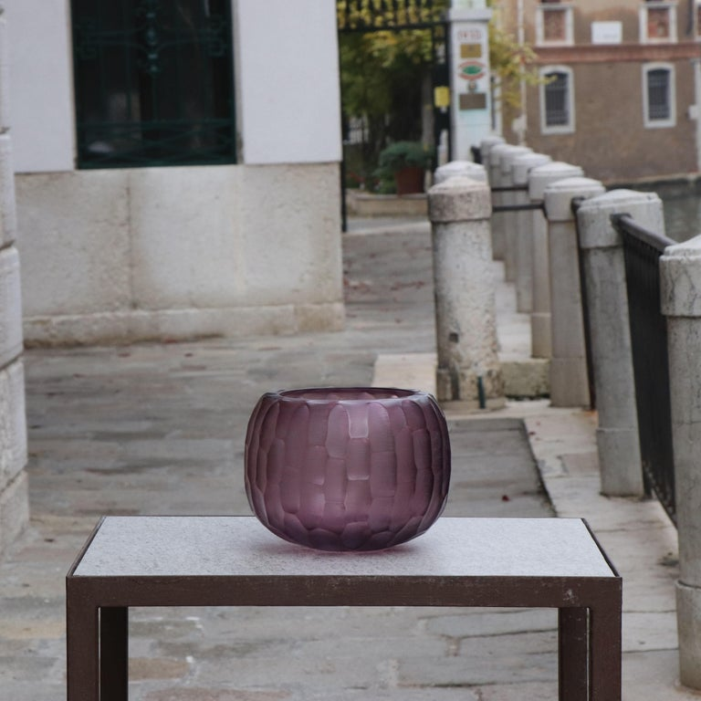 Hand-Carved 21st Century by Micheluzzi Glass Puffo Amethyst Vase Handmade Murano Glass For Sale
