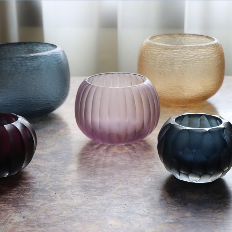 Hand-Carved 21st Century by Micheluzzi Glass Puffo Light Amethyst Vase Handmade Murano Glass For Sale