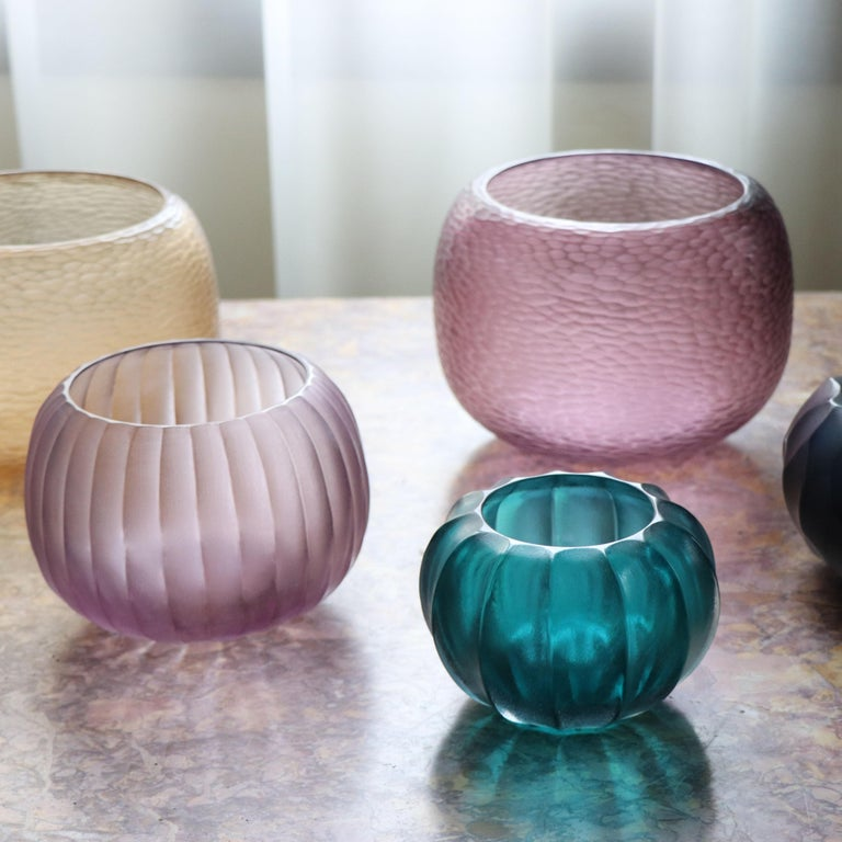 21st Century by Micheluzzi Glass Puffo Light Amethyst Vase Handmade Murano Glass In New Condition For Sale In Venice, IT
