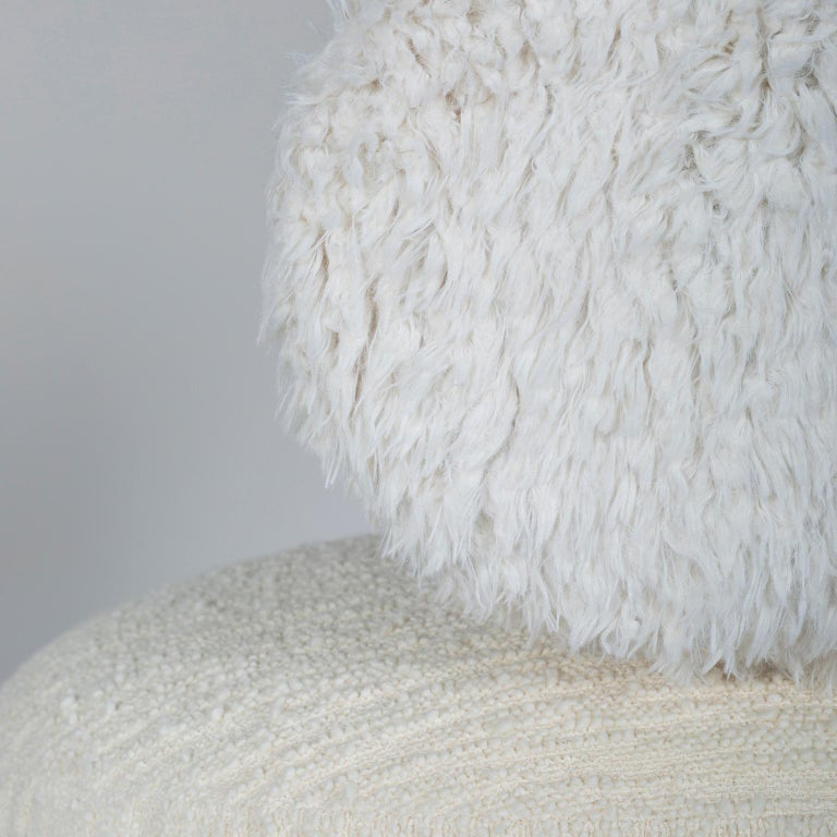 Caju Armchair Rotating Oxidized Brass White Faux Fur White Wool Bouclé Fabric In New Condition For Sale In Cartaxo, PT