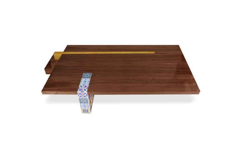 The Camelia center table is an extension of the Camelia folding screen concept. Using a pattern typical of the 17th century style, many walls in Lisbon contemplate embroidered camelias and, taking this concept, Malabar created this piece. The