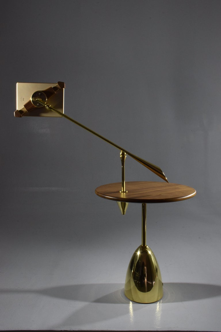 21st Century Contemporary Charging Table with Smartphone or Tablet Holder In New Condition For Sale In Paris, FR