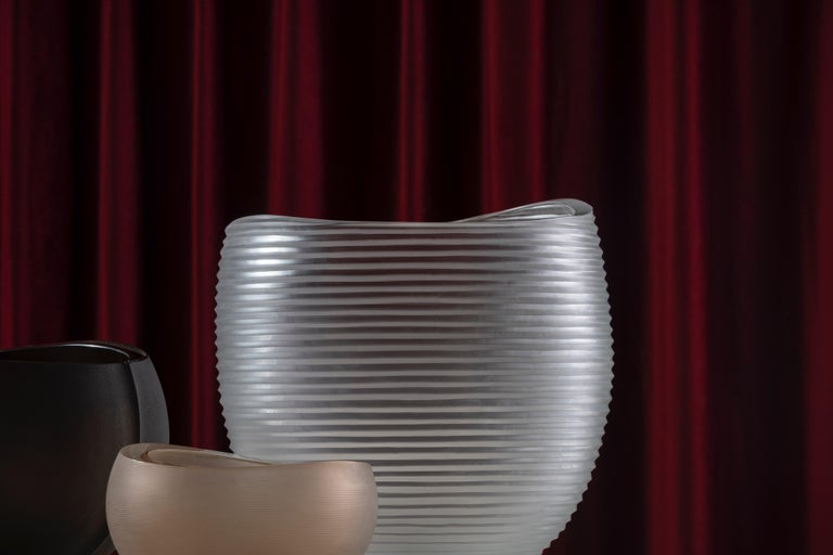 Linae large vase, Murano glass, by Federico Peri, 21st century. The Linae vases — circular pots with a blunt rim are made in solid colour and thick blown Murano glass — are available in three different shapes and different finishes / incisions on