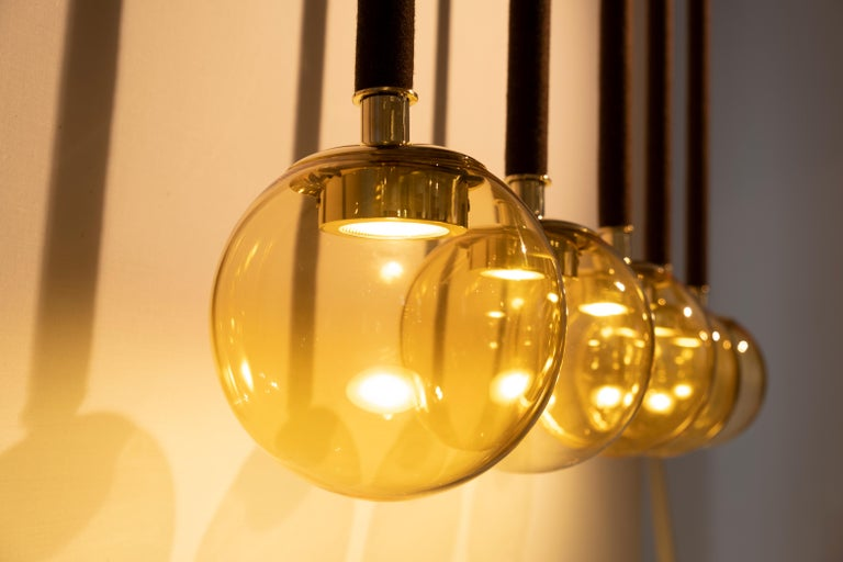 21st century Filippo Feroldi Suspension 5 lamps Murano glass and brass various colors.
