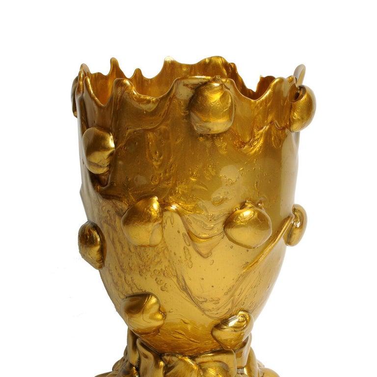 Golden Nugget vase, gold. Vase in soft resin designed by Gaetano Pesce in 1995 for Fish Design collection.  Measures: L -Ø 22cm x H 36cm Colours: gold. Other sizes available. Vase in soft resin designed by Gaetano Pesce in 1995 for Fish