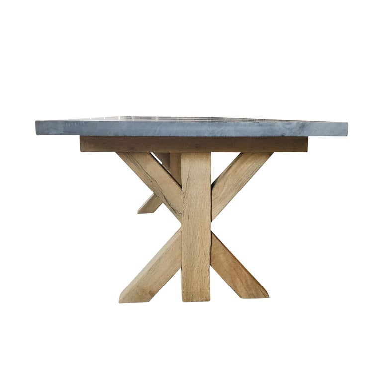 21st Century Grey Hoven Table In Excellent Condition For Sale In West Palm Beach, FL
