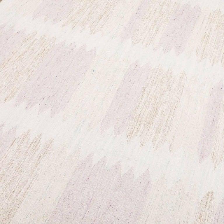 Pakistani 21st Century Handmade Flat-Weave Rug Scandinavian Design over Beige and Pink For Sale