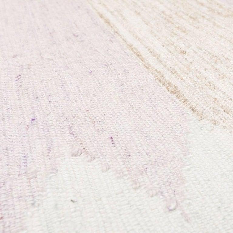 21st Century Handmade Flat-Weave Rug Scandinavian Design over Beige and Pink For Sale 1