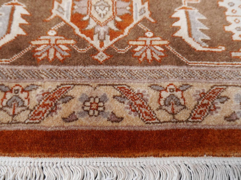 21st Century Modern Luxury Indian Rug with Herz Design Centemporary Colors For Sale 6