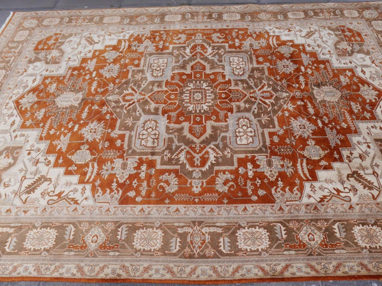 21st Century Modern Luxury Indian Rug with Herz Design Centemporary Colors For Sale 10