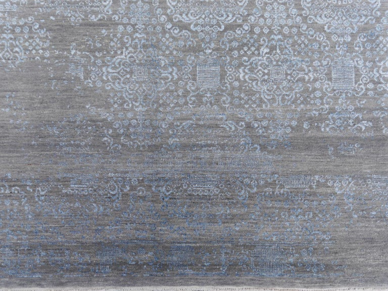 21st Century Modern Luxury Rug Wool Bamboo Silk Hand Knotted Blue Grey For Sale 6