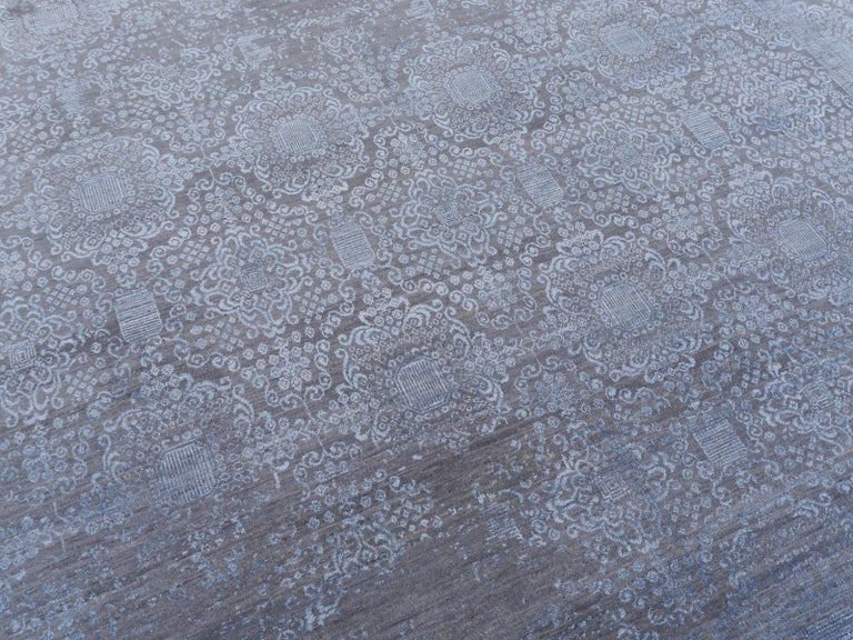 21st Century Modern Luxury Rug Wool Bamboo Silk Hand Knotted Blue Grey For Sale 8