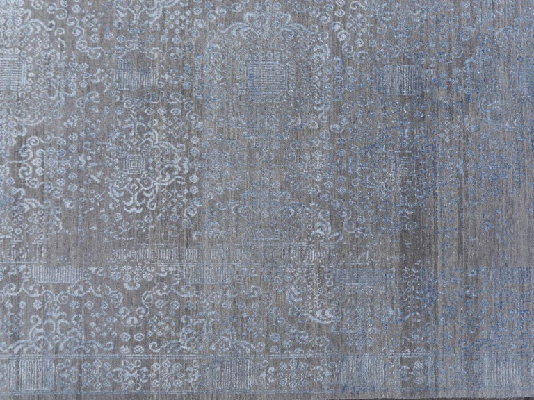 21st Century Modern Luxury Rug Wool Bamboo Silk Hand Knotted Blue Grey For Sale 9