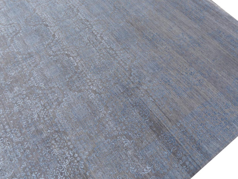 21st Century Modern Luxury Rug Wool Bamboo Silk Hand Knotted Blue Grey For Sale 10