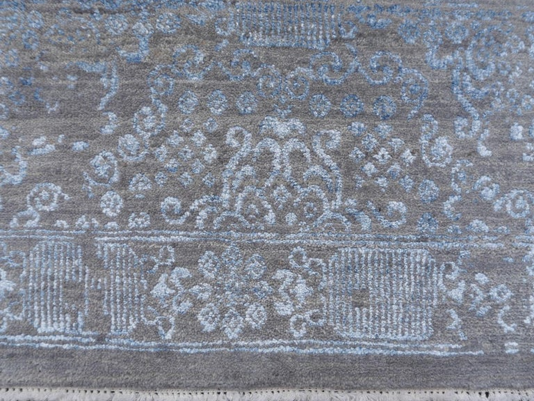 21st Century Modern Luxury Rug Wool Bamboo Silk Hand Knotted Blue Grey For Sale 11