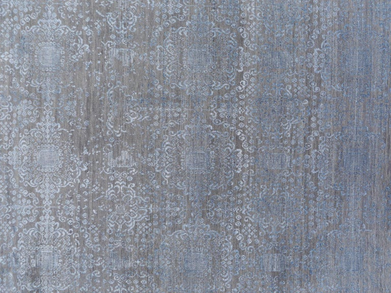 21st Century Modern Luxury Rug Wool Bamboo Silk Hand Knotted Blue Grey For Sale 14
