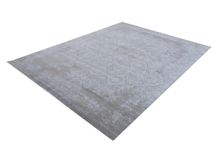 Nepalese 21st Century Modern Luxury Rug Wool Bamboo Silk Hand Knotted Blue Grey For Sale