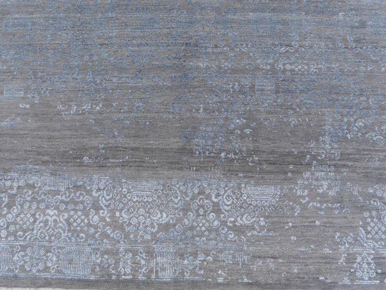 21st Century Modern Luxury Rug Wool Bamboo Silk Hand Knotted Blue Grey For Sale 1