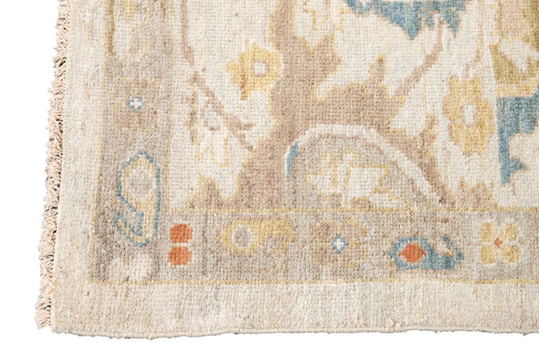 Hand-Knotted 21st Century Modern Sultanabad Oversize Wool Rug For Sale