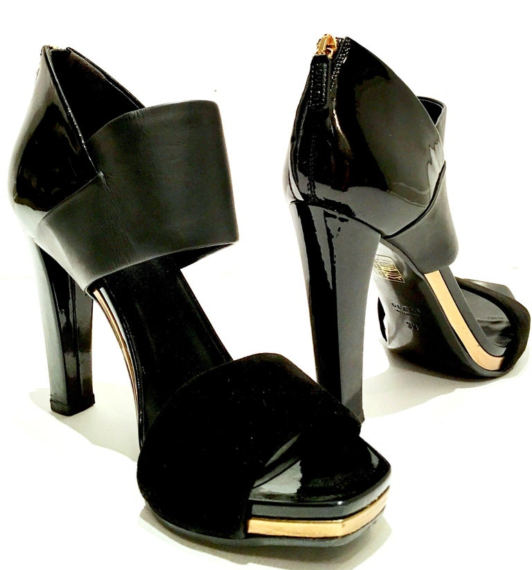Black 21st Century & New Italian Leather Platform Sandals By, Gucci